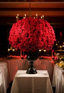 5433645-large-red-rose-flower-arrangement.jpg