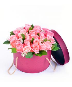 Kvetinový box z ružových ruží