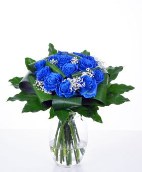 Kytička z modrých ruží